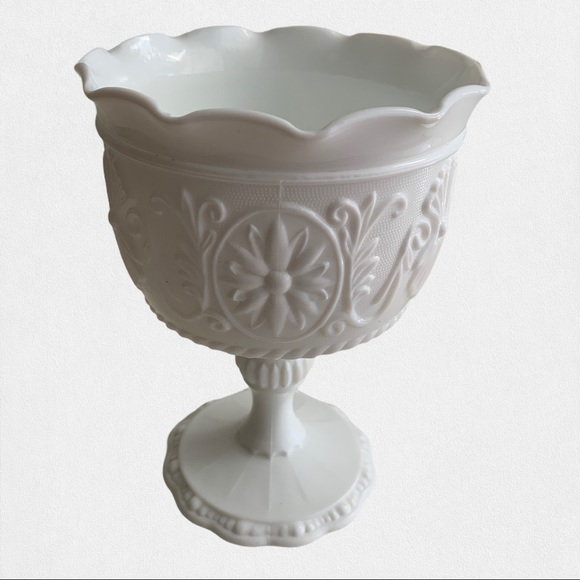 Milk Glass Daisy Ornate Scalloped Footed Vase